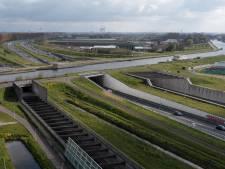 Bruggen omhoog zetten tegen sluipverkeer van A4? 'Dat is wel erg drastisch', vindt wethouder in Roelofarendsveen