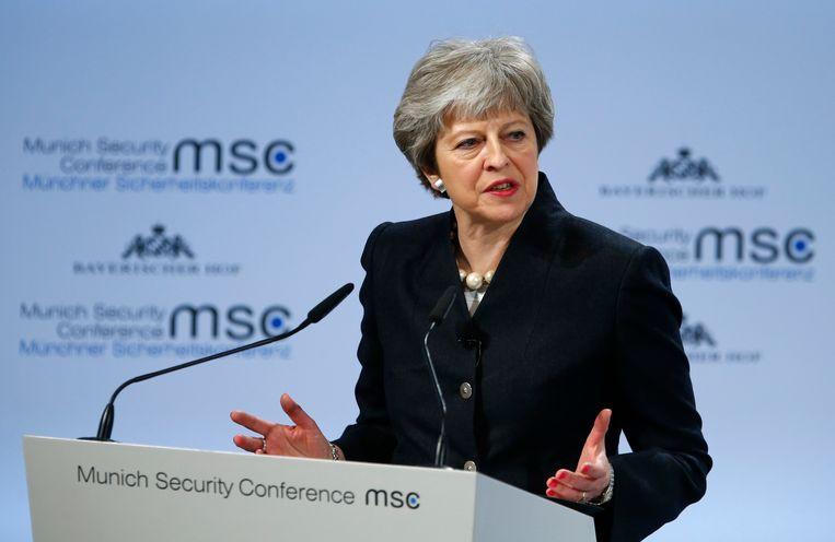 De Britse premier Theresa May spreekt tijdens de München Veiligheidsconferentie. Beeld REUTERS