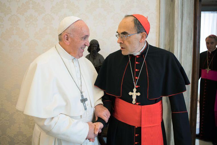 Paus Franciscus weigerde het aftreden van Barbarin en wil eerst het hoger beroep tegen de kardinaal afwachten.