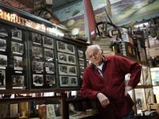 Herman (79) heeft een pakhuis vol oorlogsverhalen: 'Mijn verzameling is nooit af'