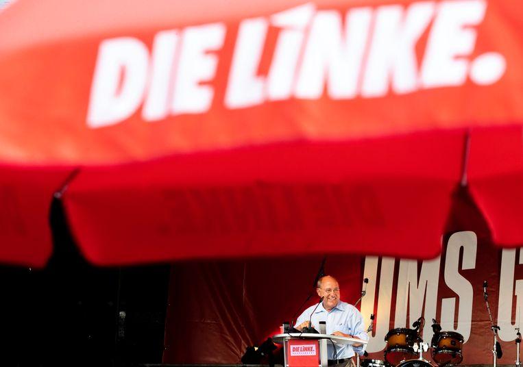Gregory Gysi van Die Linke spreektde menigte toe tijdens een campagnebijeenkomst. Beeld EPA