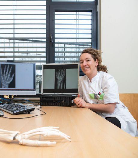 'De hand is complex'; en dus is het aanpoten voor deze handchirurgen in Ziekenhuis Gelderse Vallei