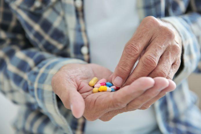 Medicijnen innemen: met water, met wat eten of liever zonder dat alles?
