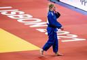 Kim Polling na afloop van de wedstrijd tegen Margaux Pinot in de halve finale van de EK.