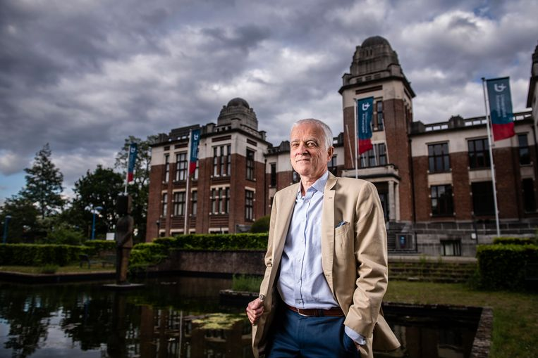 Rector van de UAntwerpen Herman Van Goethem op de Campus Middelheim Beeld Gregory Van Gansen / Photo News