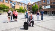 Buurtbewoners trakteren woonzorgcentrum Den Beuk iedere zondag op streepje muziek