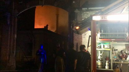 Majorettes verliezen kleedjes, drumband moet allicht optreden afzeggen: schade na hevige brand in 'De Oude Weverij' is groot