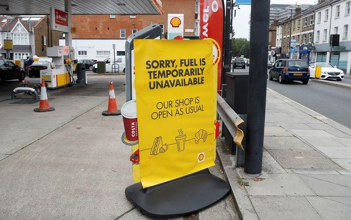 """""""Désolé, essence temporairement indisponible. Le magasin reste ouvert"""" (Londres, 25 septembre)"""