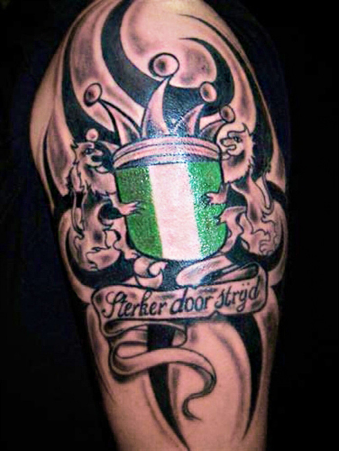 Boze Oog Tattoo.Tattoo Bob Al Vijftig Jaar Op Katendrecht Rotterdam Ad Nl