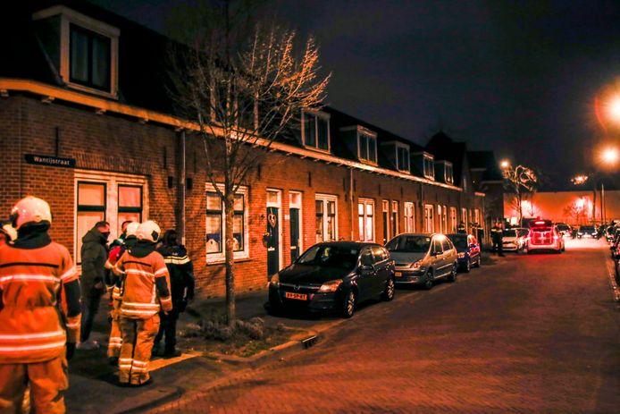 Hulpdiensten ter plaatse in de Wantijstraat in Dordrecht.