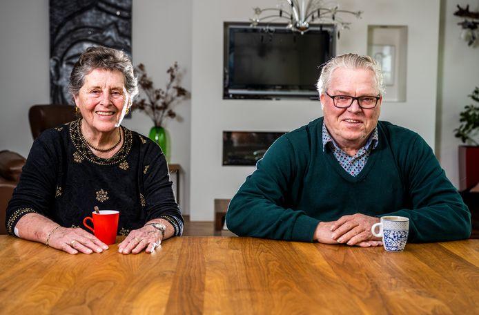 Lenie Kooijman-Uilenberg zocht lang, maar uiteindelijk was het haar halfbroer Peter Havenaar die succes had met zijn zoektocht naar zijn familie.