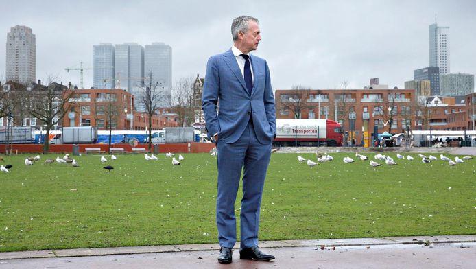 """Marco Pastors op Rotterdam-Zuid:,,Soms kijk ik mensen bij het zebrapad aan en denk ik: zij weten niet eens wie ik ben."""""""