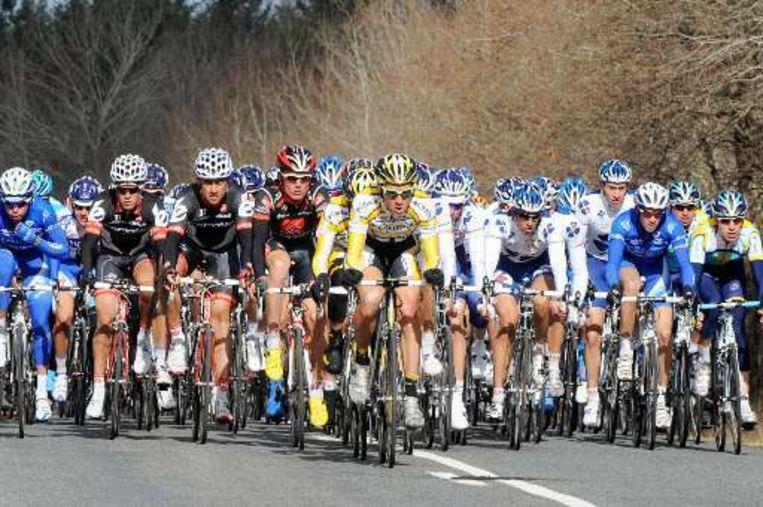 De wind speelde een grote rol in de tweede rit van Parijs-Nice. Beeld UNKNOWN