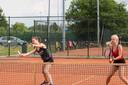 Talenten van Amjoy: *Joyce Nouws*, rechts *Laura Rijkers*