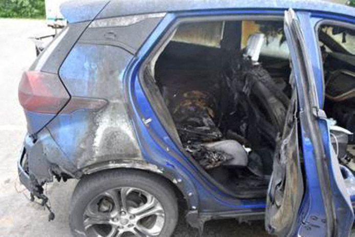 Een uitgebrande Chevrolet Bolt.