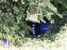 Vaten gedumpt langs A77 bij Heijen