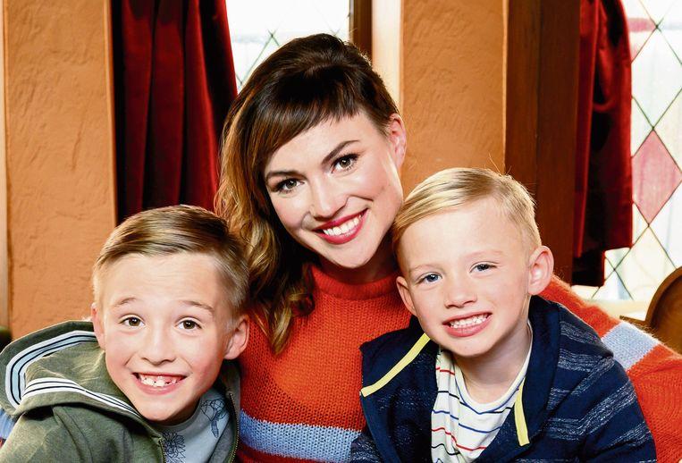 Erika met haar zoontjes Finn en Rowen.