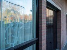 Schutters van woning jong Eindhovens gezin mogelijk in verband met schietincident in Amsterdam