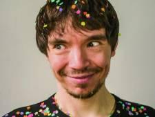 Autistische cabaretier Fabian (38) leefde in eigen wereld: 'Nu gingen ze dat opeens quarantaine noemen'