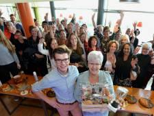 Heel Holland Bakt-winnaar Hans als een popster onthaald in Houten