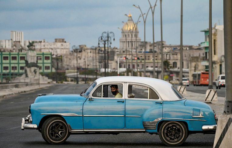 In Havana (Cuba) rijden nog veel Amerikaanse oldtimers 'in het wild'. Beeld Hollandse Hoogte / AFP