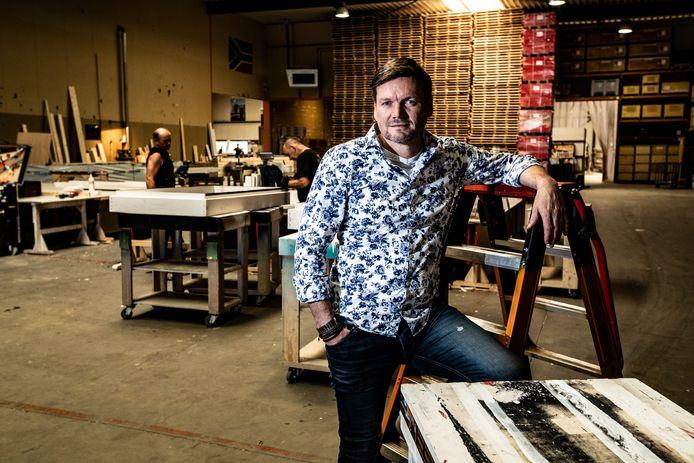 Michael Hermans van het Deventer standbouwbedrijf The Inside gooide het roer om.