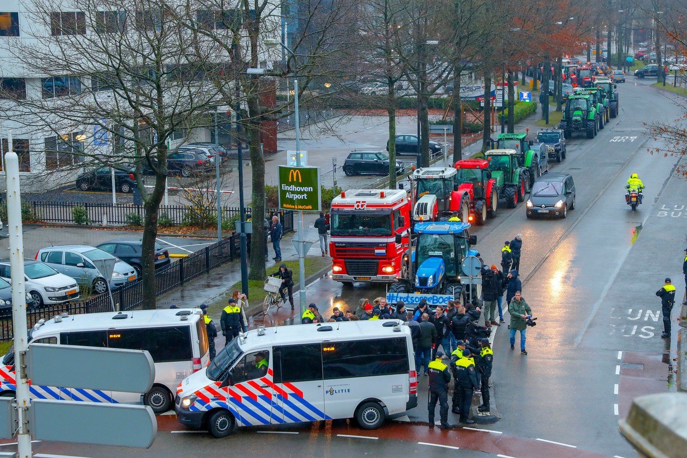 Boerenprotest bij Eindhoven Airport