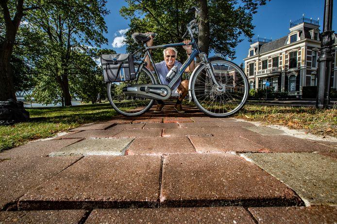 Slechte fietspaden in Deventer, het is Van Roessel al jaren een doorn in het oog.
