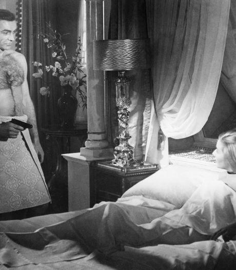 """James Bond, un """"violeur""""? Le réalisateur de """"No Time To Die"""" critique les anciens films de la franchise"""