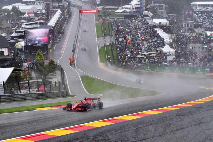 La pluie  a empêché le Grand Prix de Belgique d'aller à son terme, dimanche après-midi.