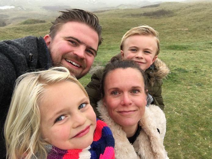 Rob en Nicole, met hun kinderen Bram (11) en Kiki (9)