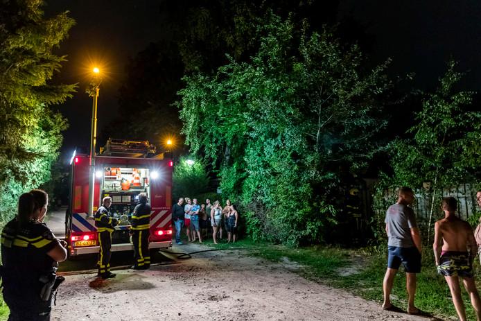 Brandweer was snel ter plaatse, maar een brand bleef uit na de vuurwerkexplosie op De Eekhoorn.