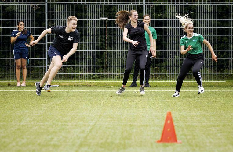 Leerlingen tijdens de praktijkles sport op het MBO Utrecht.  Beeld ANP
