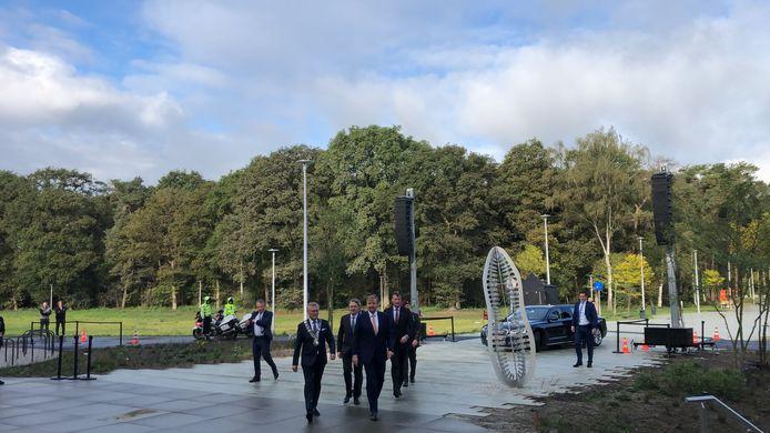 Koning arriveert bij BIC Eindhoven