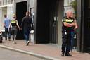 Een winkel op de Haagdijk werd bezocht door de politie.