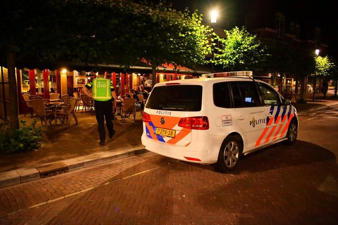 Café-zaal De Gouden Leeuw aan 't Hof in Bergeijk werd juni vorig jaar overvallen door een gewapende vrouw. Die heeft alles bekend en zich onder behandeling gesteld.