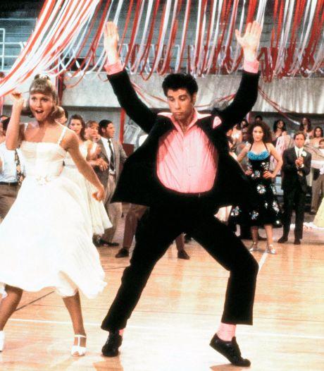 """""""Grease"""" accusé de sexisme: Olivia Newton-John appelle les détracteurs du film """"à se détendre un peu"""""""