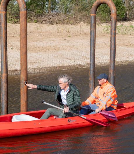 Nat pak voor waterschappers bij test nieuwe Vechtvlinder-sluis Junne