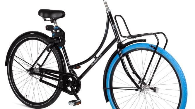 Swapfiets lanceert de klassieke Nederlandse omafiets met blauwe voorband voor het eerst in ons land