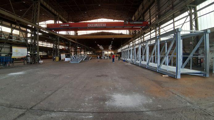 Van Sluisveld Staalbouw in Heusden bouwt de brug over de Belcrumhaven in Breda.