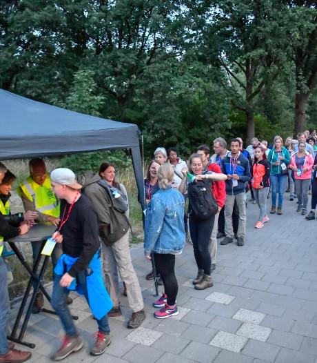 Wandelen in het donker helpt tegen kanker bij Eindhoven