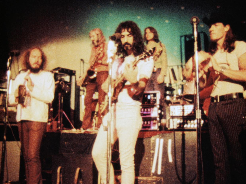 De legendarische Frank Zappa. De crowdfunding voor de Zappa-docu leverde dankzij de vele trouwe fans in een recordtijd 1,25 miljoen dollar op.  Beeld -