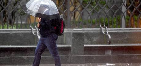Paraplu in de aanslag: de herfst is in aantocht