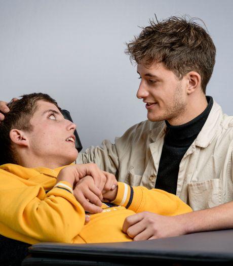 Tweelingen Dylan en Mitchell zijn verschillend, maar toch hetzelfde: 'Hij is een onderdeel van mij'
