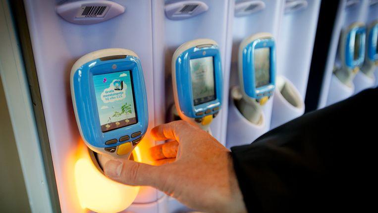 Boodschappen scannen met een handscanner bij winkelketen Albert Heijn. Beeld anp