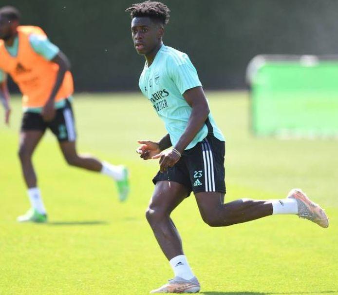 Sambi Lokonga tijdens z'n eerste training als Arsenal-speler.