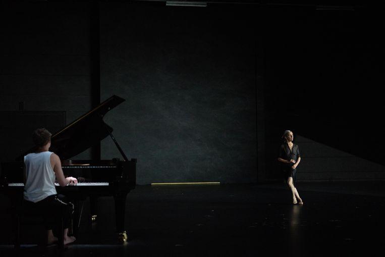 Anne Teresa De Keersmaeker in 'De Goldbergvariaties BWV988'. Beeld ANNE VAN AERSCHOT