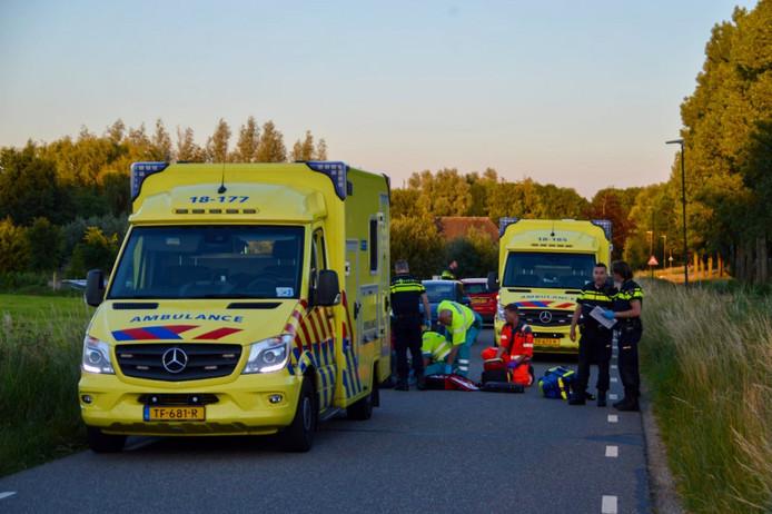 Bij een ongeval op de Groeneweg tussen Hoornaar en Hoogblokland is vrijdagavond een fietser om het leven gekomen.