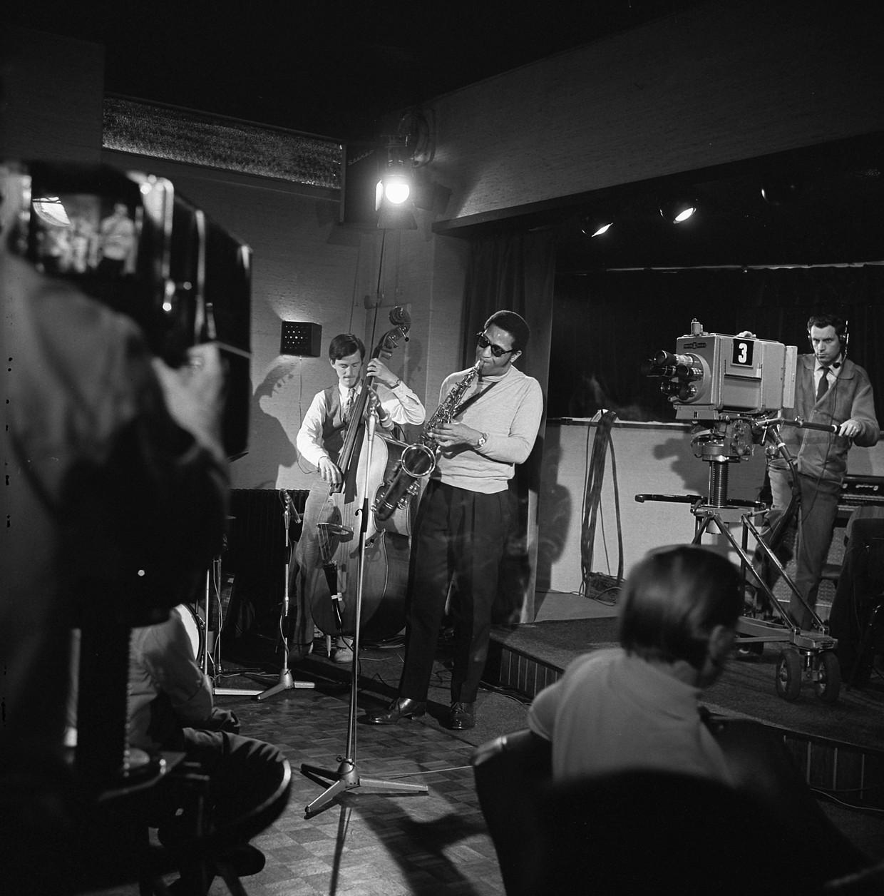 Sonny Rollins trad op 5 mei 1967 op in de GoGo Club in Oud-Loosdrecht samen met Ruud Jacobs en Han Bennink.