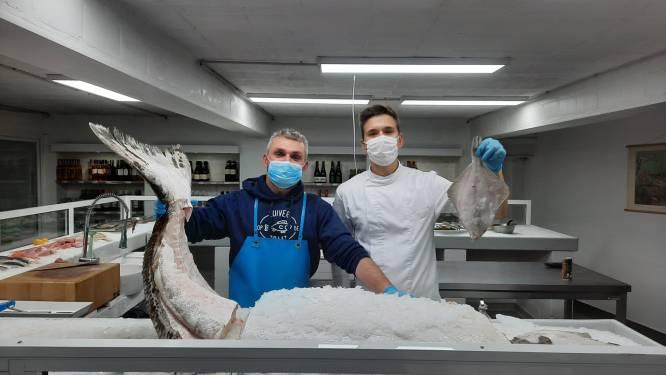 """Opnieuw gigantische heilbot van 155 kilogram binnengebracht in Gentse viswinkel: """"Normaal worden die rechtstreeks naar Japan verscheept"""""""